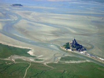 medium_Mont_st_michel_aerial.jpg